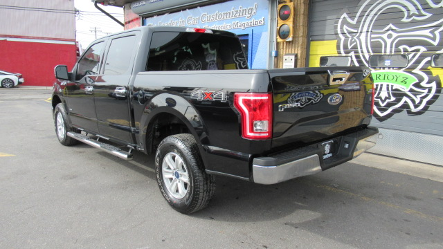 2017 ford f 150 xlt supercrew 4x4 car toyz auto broker. Black Bedroom Furniture Sets. Home Design Ideas