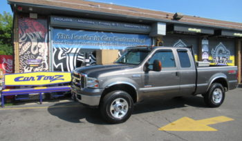 2005 Ford F-250 Super Cab Lariat 4X4