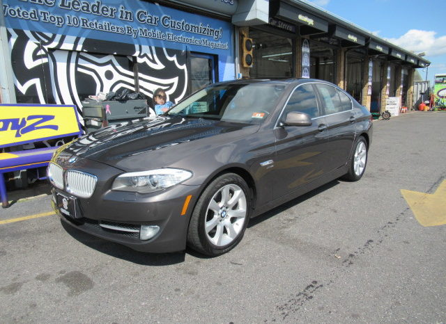 2011 BMW 550i xDrive full