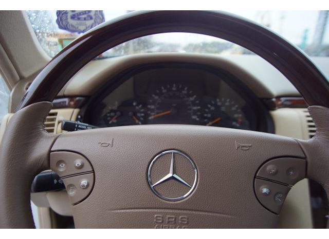 2001 Mercedes-Benz E-Class E 320 4MATIC full