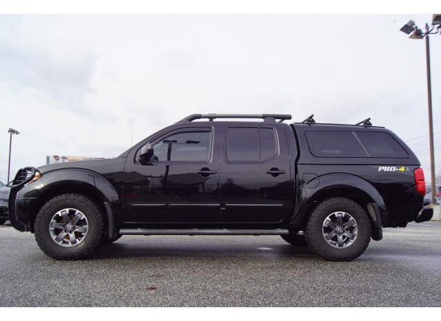 2014 Nissan Frontier PRO-4X full